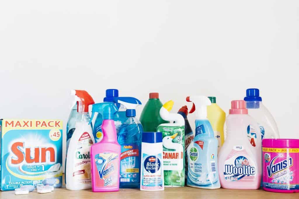 Et voici tous les emballages plastiques qu on économise en faisant ses produits  de ménage soi-même  Vous avez testé ... d496784dae79